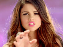 Best-video-moment-selena-gomez-love-you-like-a-love-song