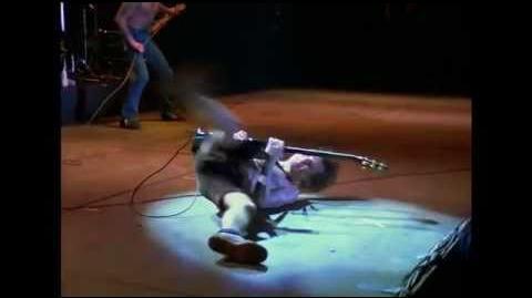 AC DC - Rocker Live From Paris 1979 (with Bon Scott)