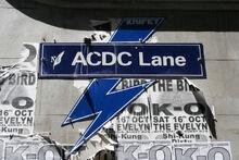ACDC Lane (por Chris Brown)