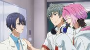 Sosuke and Uta reassuring Saku to relax