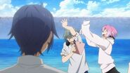 Uta flailing his arms at Sosuke
