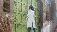 Washiho touching a secret gate