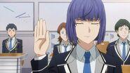 Ushio raising his hand to renounce their points