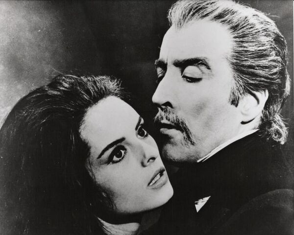 File:Lucy and drac.jpg