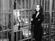 21.The.Addams.Family.in.Court 055