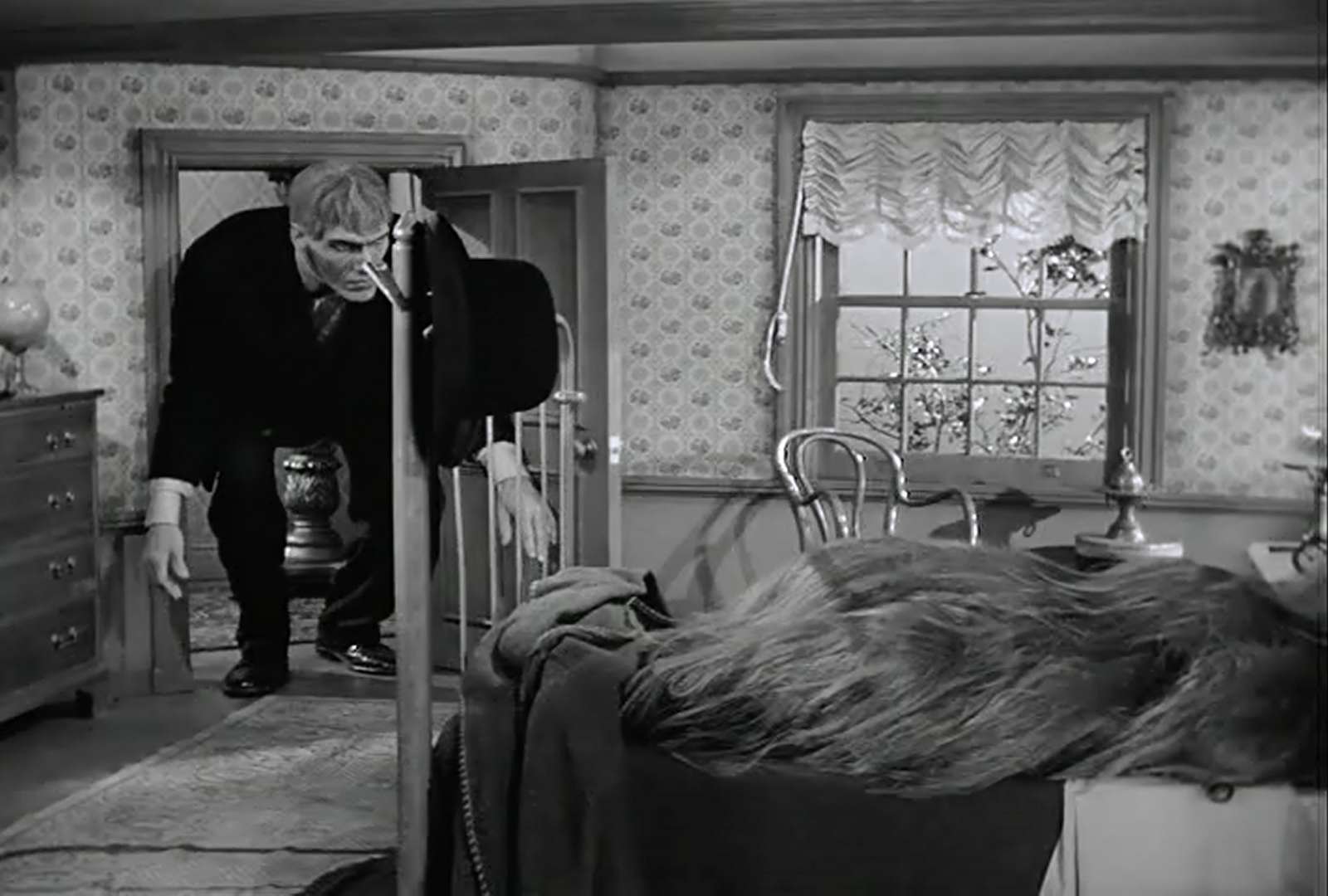 Cousin Itt S Bedroom Addams Family Wiki Fandom Powered