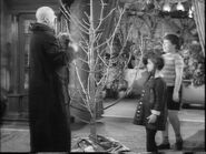 49.Christmas.with.the.Addams.Family 030