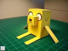 Adventure-time-jake-papercraft-02