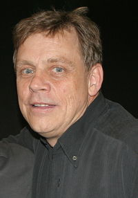 419px-Mark Hamill (crop)