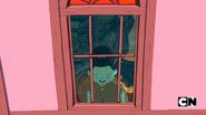 S5e29 Maja at window