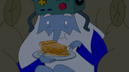 S10e2 Ice King eating apple pie