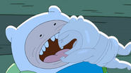 S10e2 Tooth Finn attacking big Finn 3
