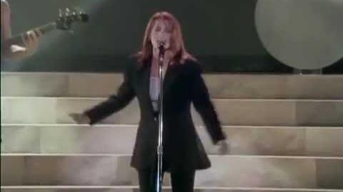 Belinda Carlisle - Heaven Is A Place On Earth (Live 1988)