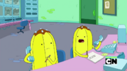 S07E34 Banana guards