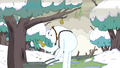 S3e17 Snow Golem with pear.png