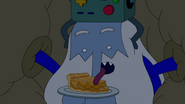 S10e2 Ice King licking apple pie