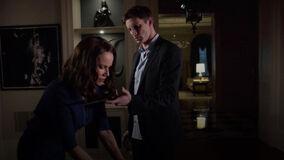 Damien-treatening-Anne-with-dagger
