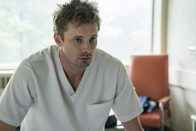 File:Damien S1E06 04 Damien hospitalized 02.jpg
