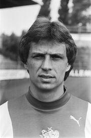 1977)JanEverse