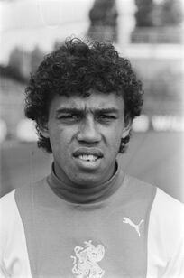 1976)SimonTahamata