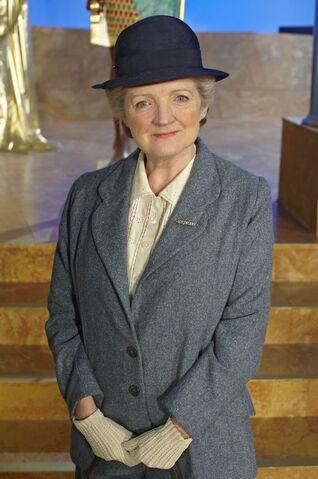 File:Miss-Marple-Julia-McKenzie.jpg