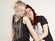 Naomily-S4-promo-pics-naomi-and-emily-9911231-510-383