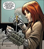 560px-Hope summers avx 3