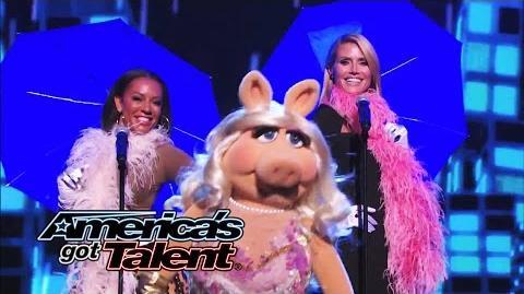 """Heidi Klum, Mel B and Miss Piggy Sing """"It's Raining Men"""" - America's Got Talent 2014"""