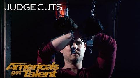 Rob Lake Chained Up Illusionist Magically Disappears - America's Got Talent 2018