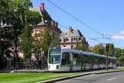 Le tramway - Flickr - besopha