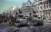 Bundesarchiv N 1576 Bild-007, Paris, Parade deutscher Panzer