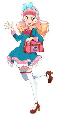 Aine w szkolnym mundurku