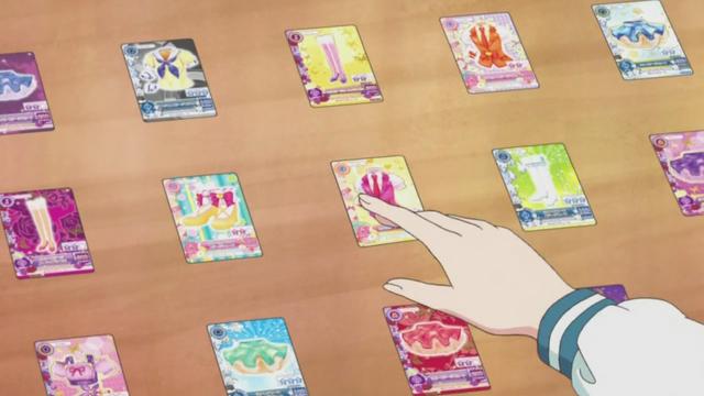 File:Aikatsu cards.png