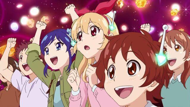 File:Aikatsu! - 01 11.12.jpg