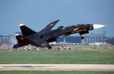 800px-Sukhoi Su-47 Berkut (S-37) in 2001-1-
