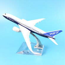 Boeing-787-dreamliner-diecast-model
