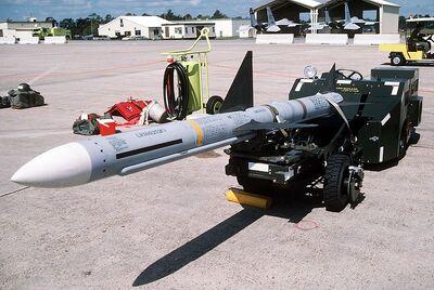 800px-AIM-7 Sparrow at Eglin AFB 1988