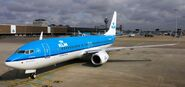 Boeing 737-800 (KLM) 001