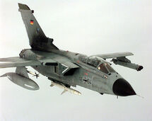 751px-AGM-88 and AIM-9 on Tornado