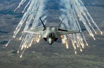 800px-F-22 flares