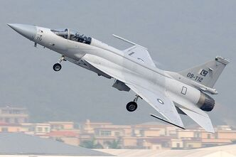 800px-Pakistan Air Force Chengdu JF-17 Gu-1-