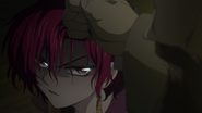 Yona glares at Kum-Ji