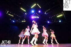 JKT48 - Cinta Pertama jam