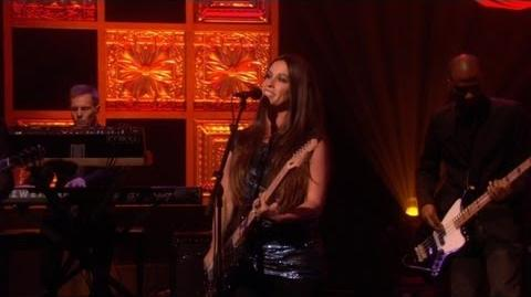 Alanis Morissette Performs 'Guardian'