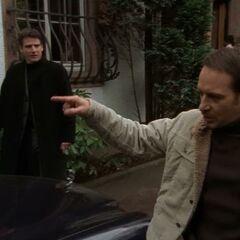 Semir regt sich über Daniels arroganten Vater auf.