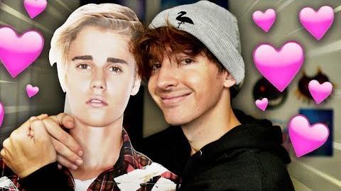 Albert Flamingo and Justin Bieber play ROBLOX-2