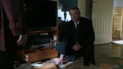 1x05 - Guy Hastings 102