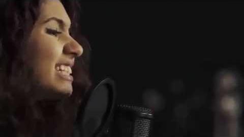 Alessia Cara covers Drake's 'Hotline Bling'