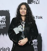 Alessia Cara at the MTV EMAs (3)