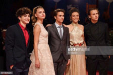 Cast (5)